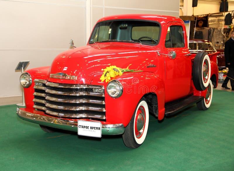 MOSCÚ, RUSIA - 9 DE MARZO: Recogida retra Chevrolet 3100 en el XXI imagen de archivo libre de regalías