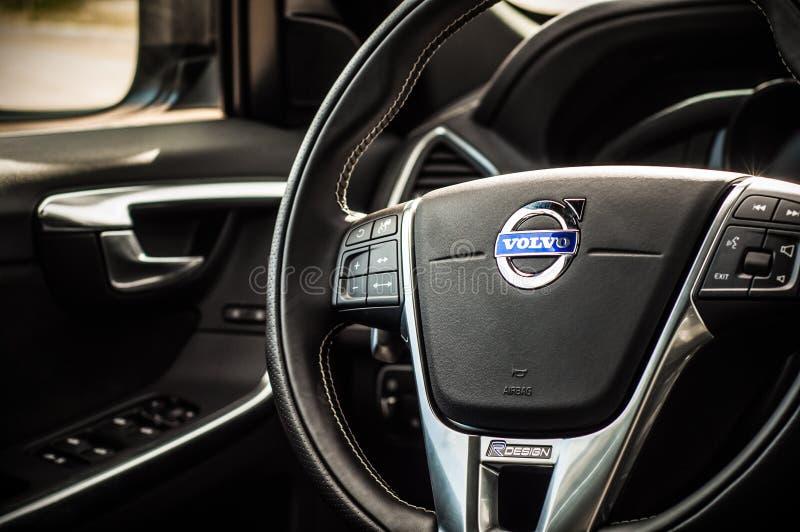 MOSCÚ, RUSIA - 20 de mayo de 2017 ESTRELLA POLAR de VOLVO XC60, opinión del inerior Prueba de la nueva estrella polar de Volvo XC fotos de archivo