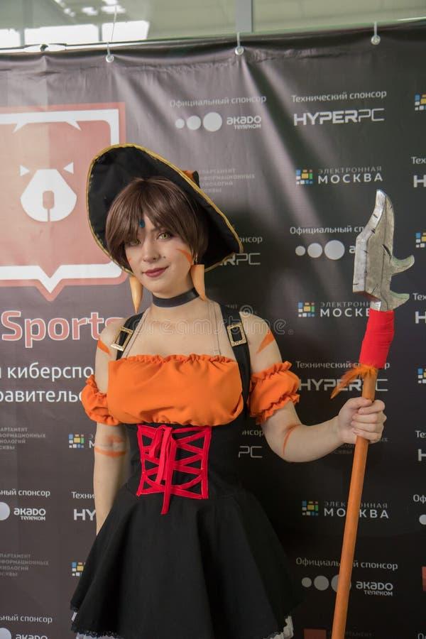 Moscú, Rusia 13 de octubre de 2018 Primer ` de Moscú de los E-deportes del ` del torneo de los e-deportes de Moscú 2018 Muchacha  imagen de archivo