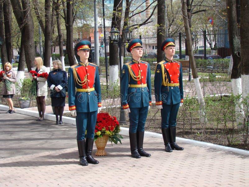 Moscú, Rusia, el 9 de mayo de 2018, honrando la gran guerra patriótica de los soldados del regimiento de la transfiguración y de  foto de archivo libre de regalías