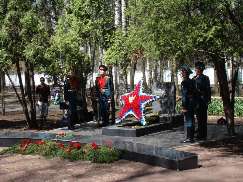 Moscú, Rusia, el 9 de mayo de 2018, honrando la gran guerra patriótica de los soldados del regimiento de la transfiguración y de  fotografía de archivo
