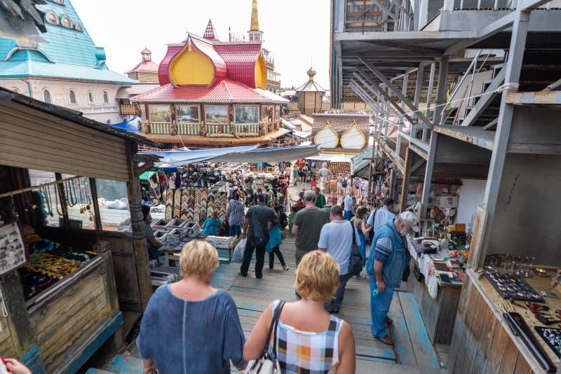 Moscú, Rusia - junio, 23,2018: Mercado del bazar de Izmaylovskiy fotos de archivo