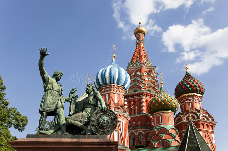 Moscú. El monumento a Minin y a Pozharsky en cuadrado rojo fotografía de archivo libre de regalías