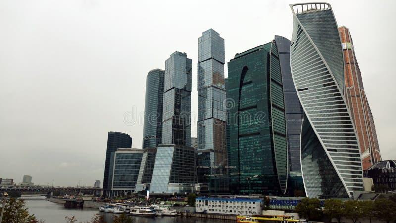 mosc? Rusia septiembre de 2018: Centro de negocios internacional de Mosc? en el d3ia, en tiempo nublado imágenes de archivo libres de regalías