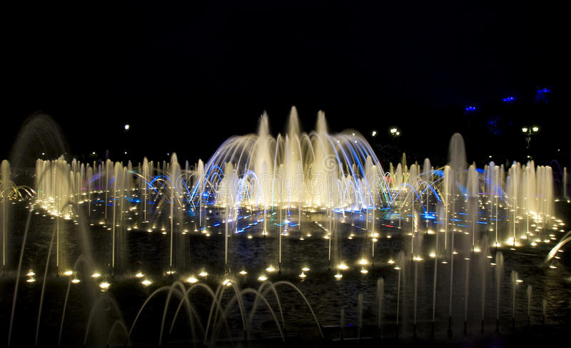 Mosca, fontana in parco Tsaritsino fotografia stock