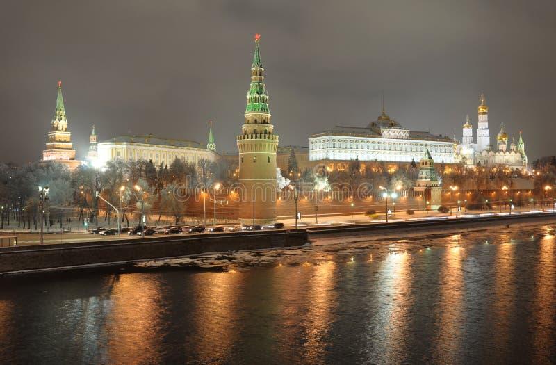 Mosca kremlin. vista di notte. La Russia immagine stock libera da diritti