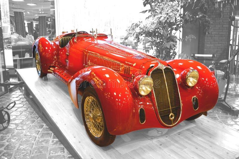 MOSCA, RUSSIA - 6 GENNAIO 2018: Vadim Zadorozhny Technology Museum, modello d'annata 8C2900B di Alfa Romeo dell'automobile immagine stock libera da diritti