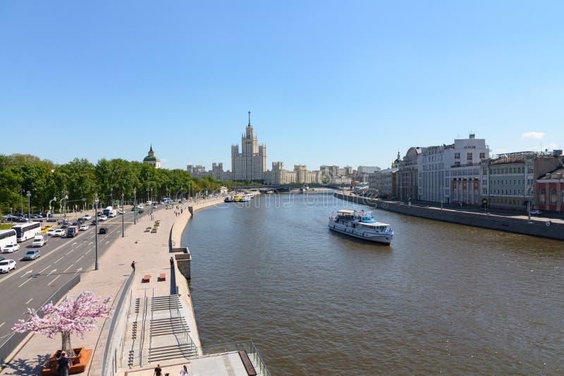 Mosca, Russia - 12 maggio 2018 Argine di Kotelnicheskaya immagini stock