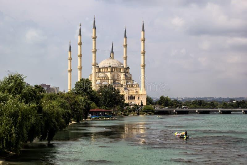 Moschea della centrale dell'Adana Sabanci fotografia stock