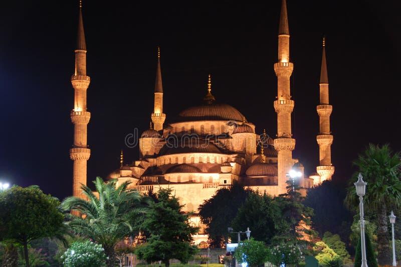 Moschea di Ahmed del sultano alla notte fotografia stock libera da diritti