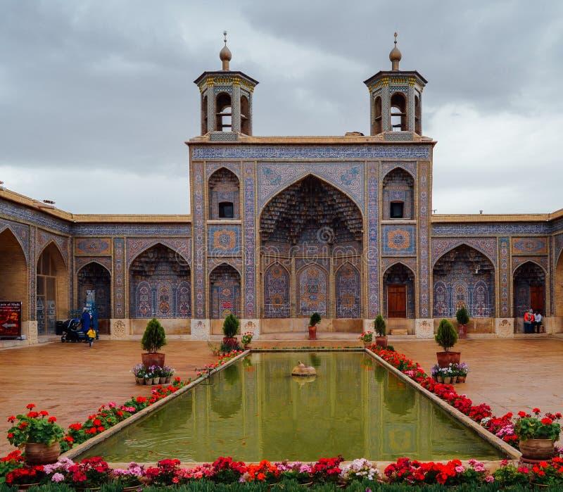 Moschea di Molk del ol di Nasir a Shiraz, Iran È conosciuto nel persiano come ol Molk di Masjed-e Naseer fotografia stock libera da diritti