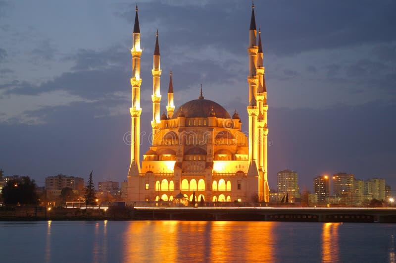 Moschea di notte fotografie stock