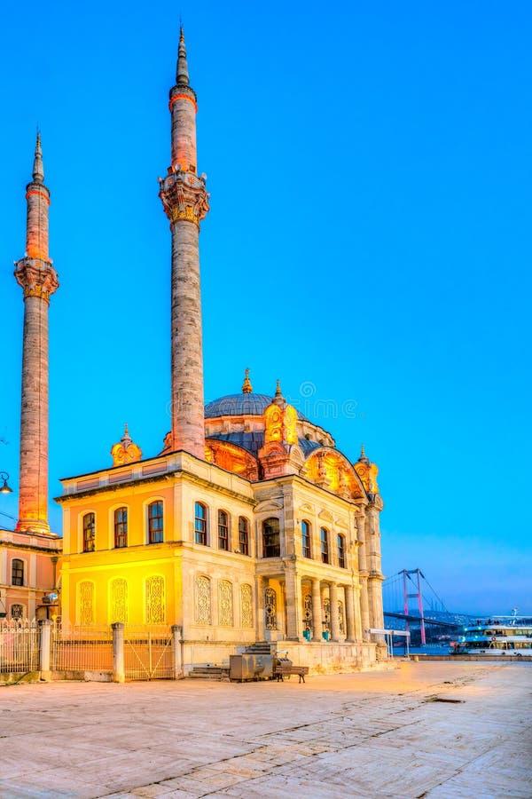 Moschea di Ortakoy, Istanbul, Turchia fotografia stock