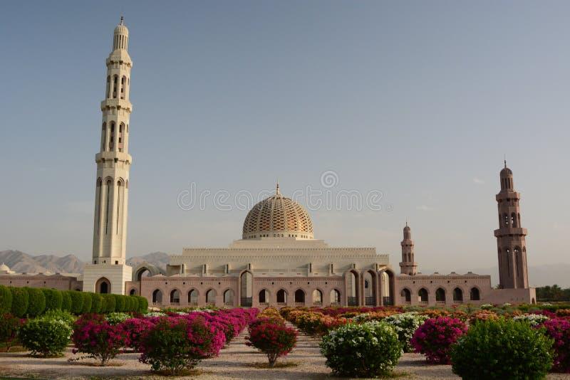 Moschea di Qaboos del sultano grande in moscato moscato l'oman fotografia stock libera da diritti