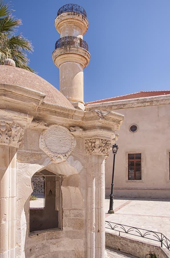 Download Moschea E Fontana Turche Di Lerapetra Fotografia Stock - Immagine di aegean, vecchio: 56884478