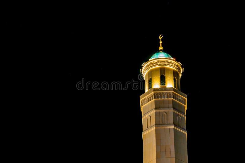 Moschee Minarett nachts lizenzfreie stockfotografie