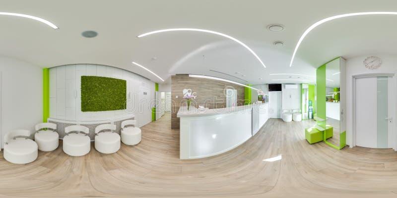 MOSCOU - ÉTÉ 2018, panorama 3D sphérique avec l'angle de visualisation 360 du bureau dentaire moderne vert préparez pour la réali images libres de droits
