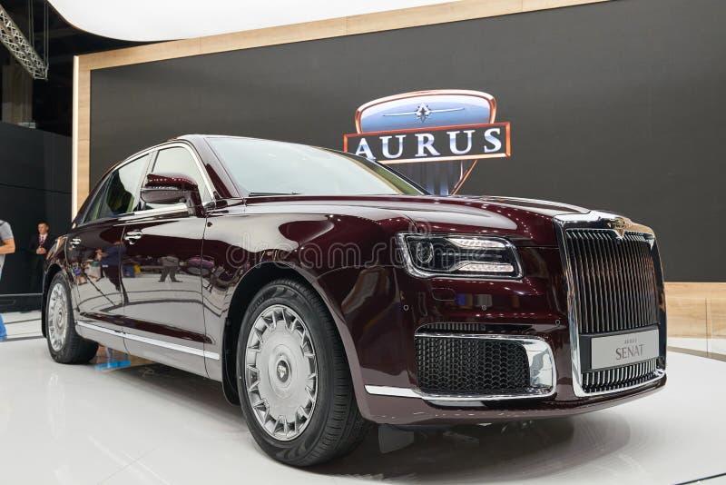 MOSCOU, AGOSTO 31, 2018: Novo todo o carro luxuoso Aurus Senat do russo poderoso da movimentação da roda na exposição automotivo  imagem de stock