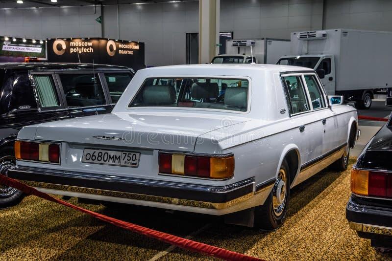 MOSCOU - EM AGOSTO DE 2016: ZIL 41041 apresentou em MIAS Moscow International Automobile Salon o 20 de agosto de 2016 em Moscou,  imagens de stock royalty free