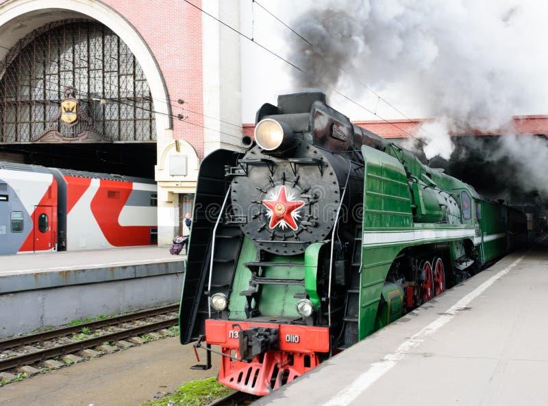 Moscou, Federação Russa - 17 de agosto de 2019: turnês de trem Moscou - Ryazan da estação Kazan fotos de stock royalty free