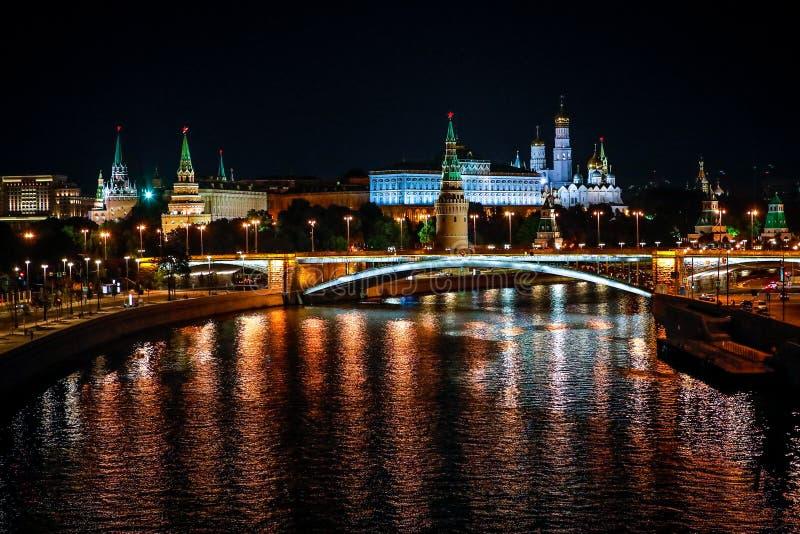 Moscou Kremlin la nuit image stock
