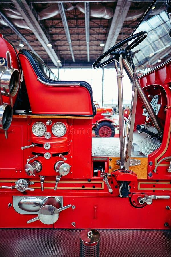 MOSCOU - 9 MARS 2018 : Camion de pompiers 1927 du modèle 6WT de Seagrave à e photo libre de droits