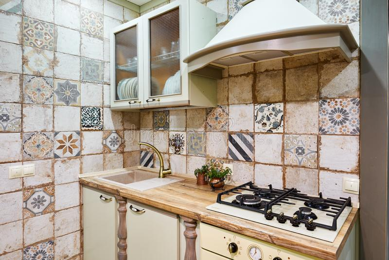 Moscou, Rússia, 01 02 2019: Cozinha moderna nova interior na casa luxuosa foto de stock