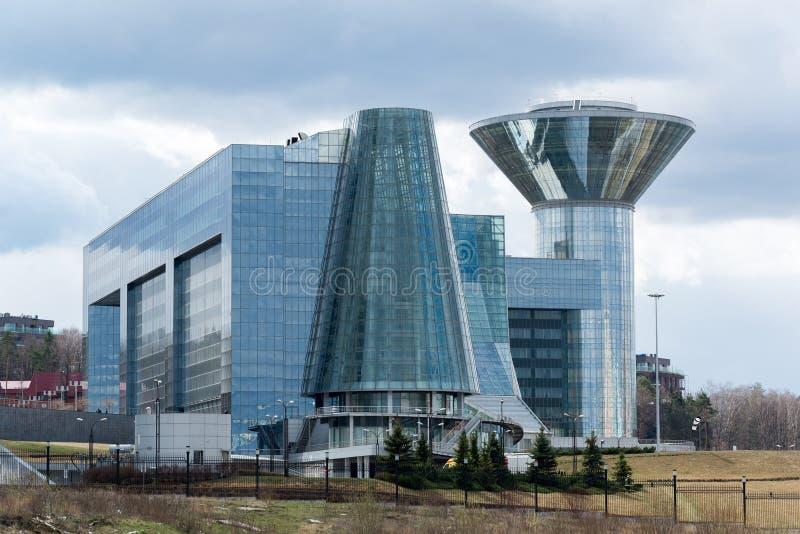 Moscou, Rússia - 18 de abril de 2015 A casa do governo de Moscou Oblast A construção da casa foi começada em 2004 e terminada em  foto de stock royalty free