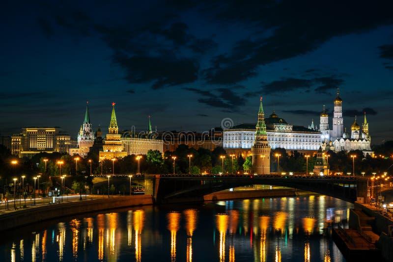 Moscou, Rússia - 5 de agosto Kremlin de Moscou, terraplenagem do Kremlin imagens de stock