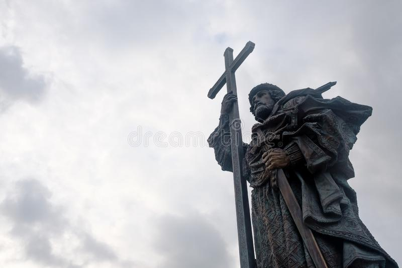 MOSCOU, RÚSSIA - 26 DE MAIO DE 2018: Monumento a Vladimir o grande príncipe Vladimir o batista de Rússia perto do Kremlin de Mosc fotos de stock