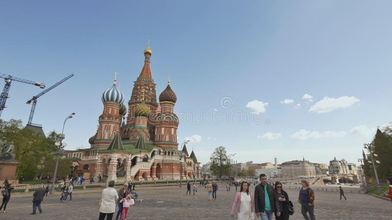 MOSCOU, RÚSSIA - 19 DE MAIO DE 2017: Quadrado vermelho em Moscou, Federação Russa Marco nacional Destino do turista imagens de stock royalty free