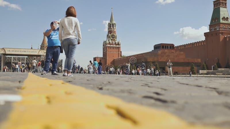MOSCOU, RÚSSIA - 19 DE MAIO DE 2017: Quadrado vermelho em Moscou, Federação Russa Marco nacional Destino do turista imagem de stock