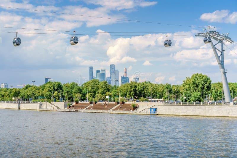 Moscou, Rússia - 26 de maio de 2019: Teleférico de Moscou no Luzhniki foto de stock
