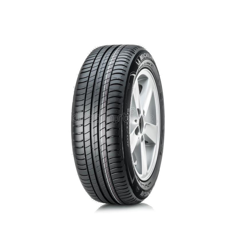 MOSCOU, RÚSSIA - 4 DE MARÇO DE 2016: Primazia 3 205/55 do pneumático do carro do inverno fotos de stock royalty free