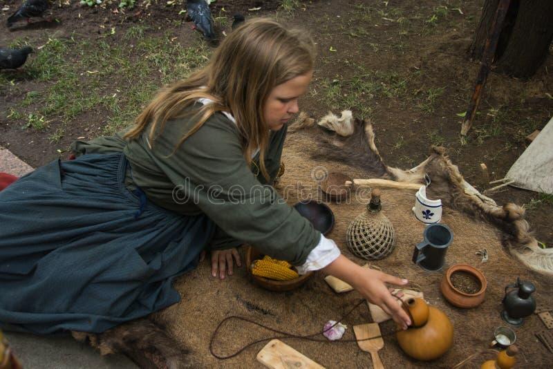 Moscou, Rússia - em junho de 2019: Tempos e épocas históricos do festival Reconstrução da vida e das guerras foto de stock royalty free