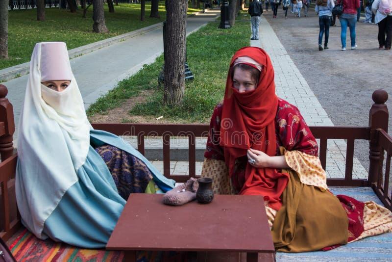 Moscou, Rússia - em junho de 2019: Tempos e épocas históricos do festival Reconstrução da vida e das guerras fotografia de stock royalty free