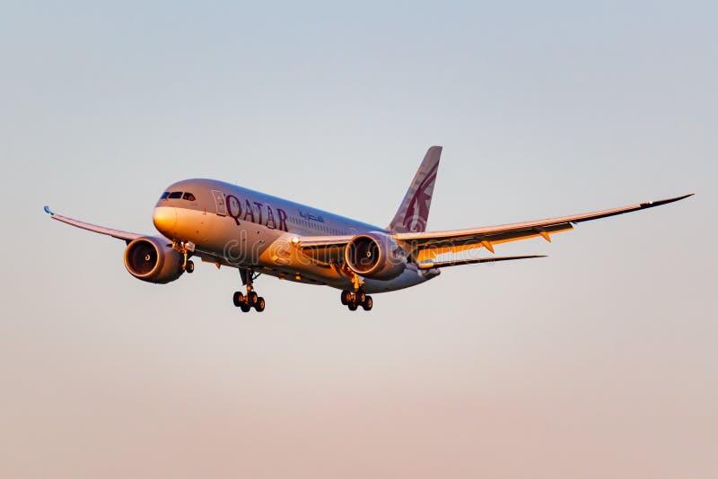Moscou, Russie - 20 juin 2019 : Avions Boeing 787-8 Dreamliner A7-BCU de l'atterrissage de Qatar Airways chez Domodedovo internat photo stock