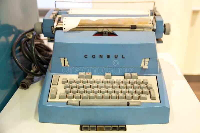 Moscou, Russie - 20 novembre 2013 : Consul Typewriter par Zbrojovka Brno, Tch?coslovaquie qui a commenc? ? fabriquer photo libre de droits