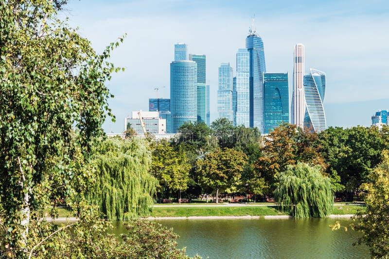 Moscou-ville internationale de centre d'affaires de Moscou de gratte-ciel image libre de droits