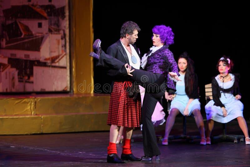 Jogo de V.Yaremenko e de A.Galliardt em bruxas musicais de Eastwick foto de stock royalty free