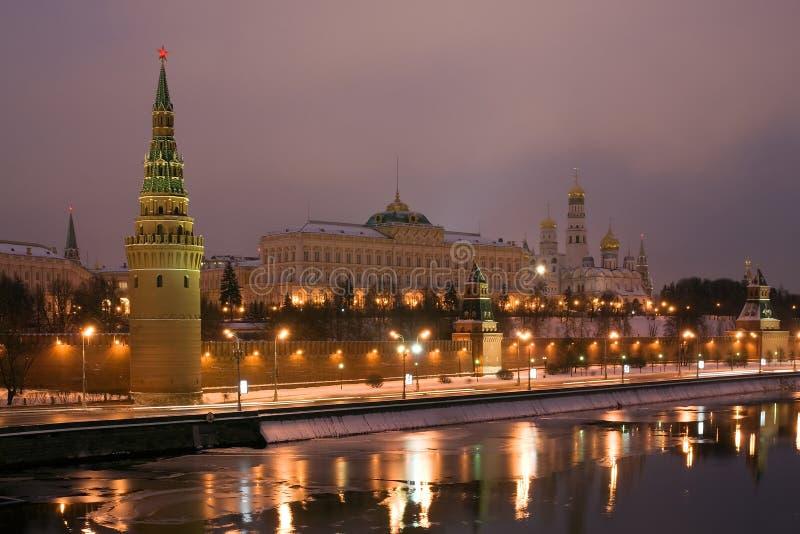 Moscovo Kremlin na noite. Rússia fotografia de stock