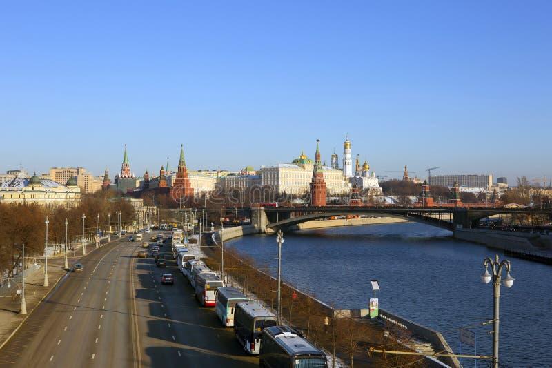 moscow Обваловки Москвы лето красного цвета kremlin зоны 2005 после полудня стоковое изображение
