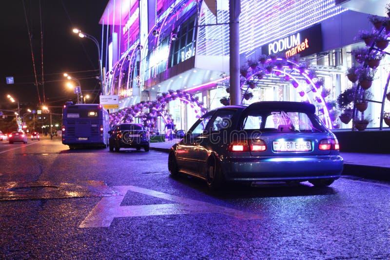 Московские городские автомобили. Фотосет пример тюнинга в Москве цвета стоковая фотография