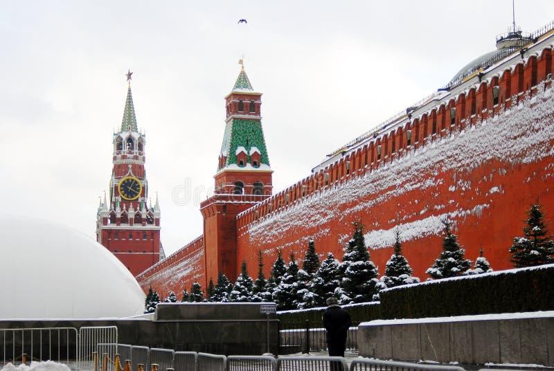Moscow Kremlin. Rött kvadrera i vinter. royaltyfria bilder