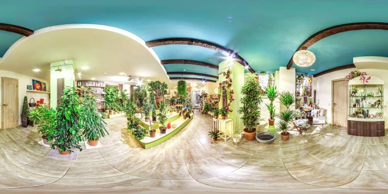 Moscow-2018: panorama esférico 3D con el ángulo de visión de 360 grados del interior de la floristería con las plantas verdes Ali fotos de archivo