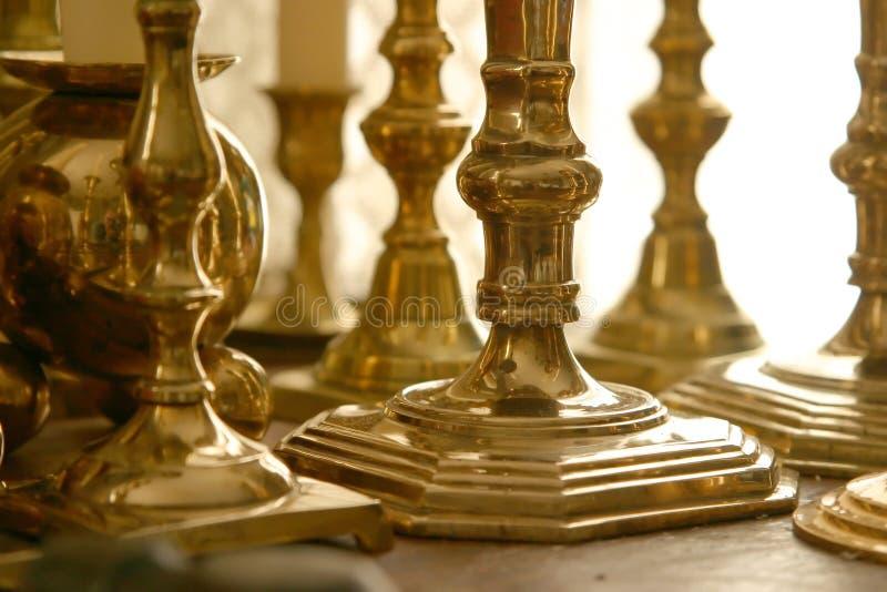 Download Mosiężne świeczniki zdjęcie stock. Obraz złożonej z metal - 28398
