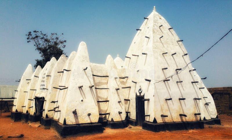 Moské för stil för för VästafrikaGhana Larabanga gyttja och pinne sudanic royaltyfri fotografi