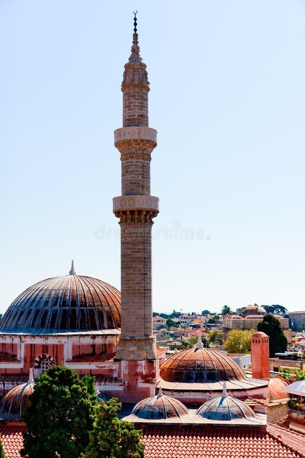 Moské i Rhodes Island, minaret och kupoler arkivbild