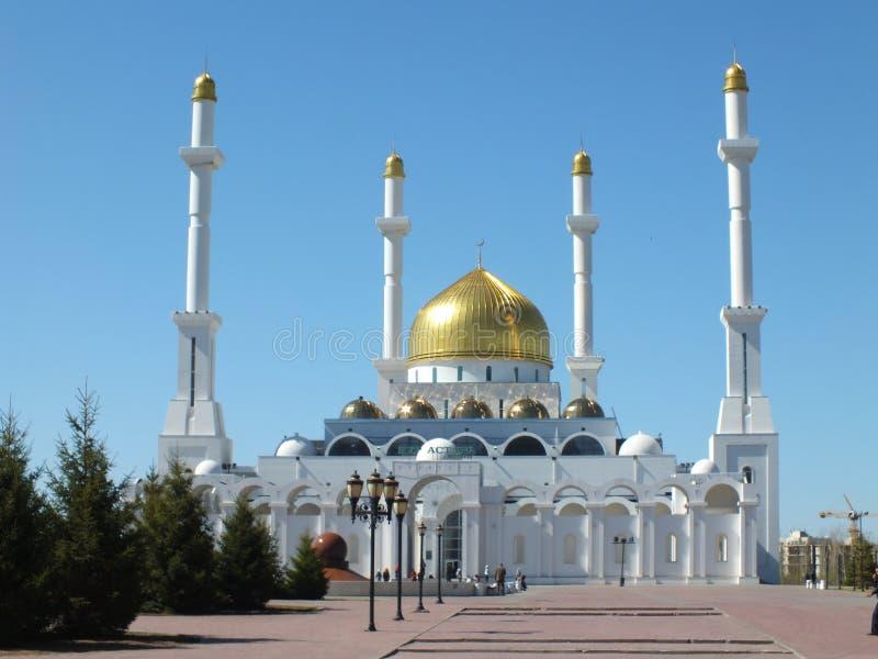 Moské NUR ASTANA i Astana royaltyfri foto