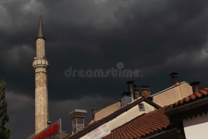 Moské och moln royaltyfria bilder